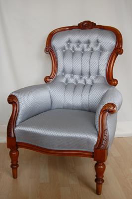 polsterei polsterarbeiten polsterwerkstatt kornelia riehl k ln knopfheftung aufpolsterung. Black Bedroom Furniture Sets. Home Design Ideas